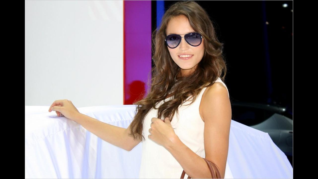 Willkommen! Brillen auf! Gleich werden wir von der Schönheit der neuen Modelle geblendet!