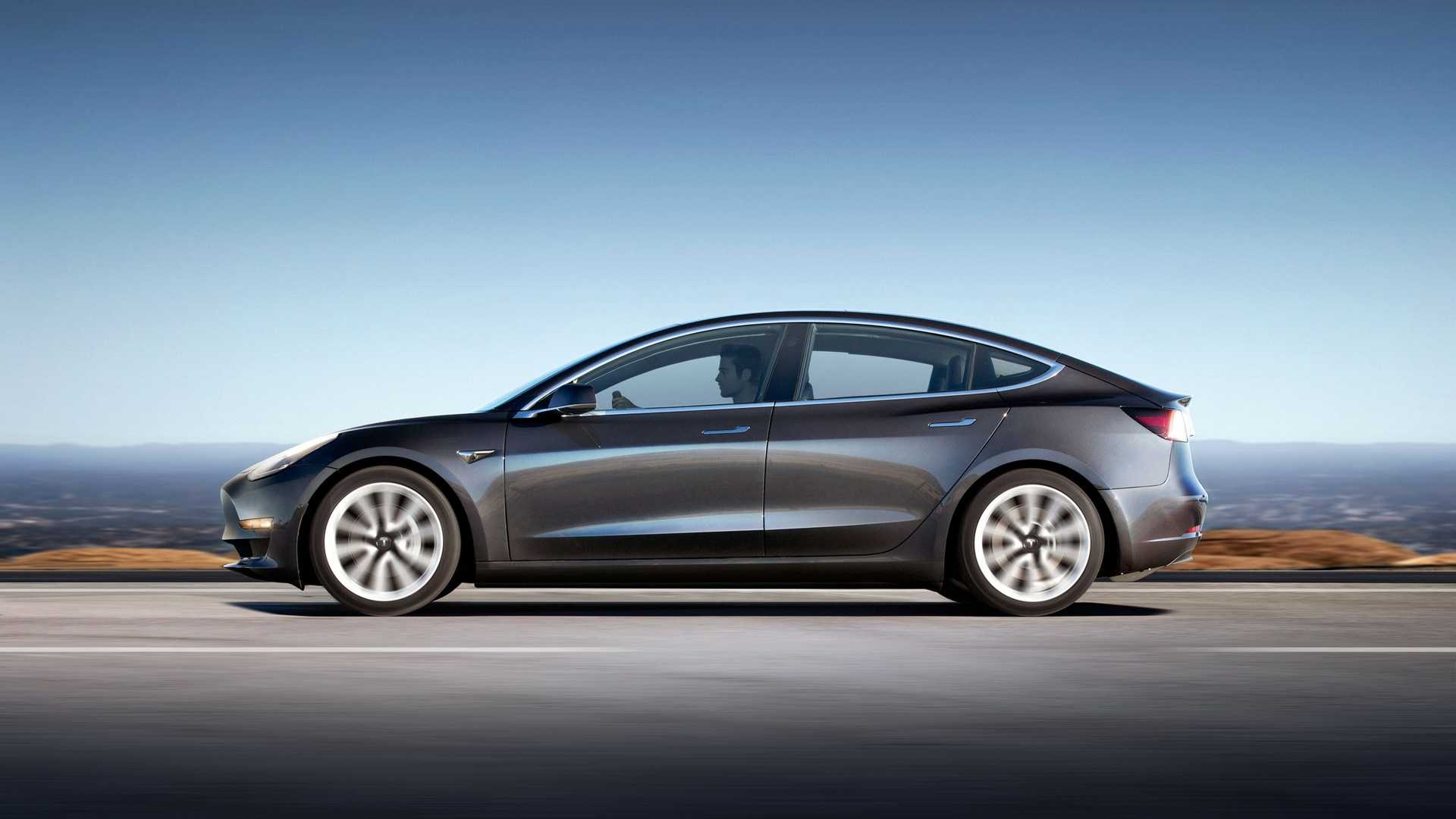 Tesla Model 3 Track Tested By Edmunds - Video