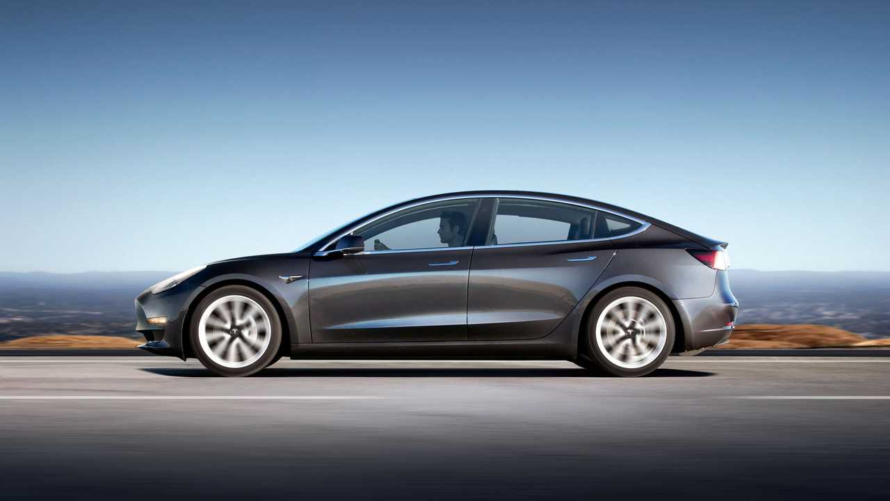 Tesla Model 3 Track Tested By Edmunds - Video