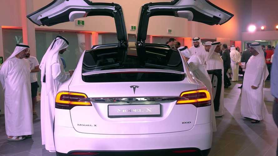 Tesla Launches First Showroom In Dubai - Debut Video