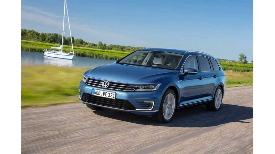 Volkswagen Passat GTE Test Drive Review