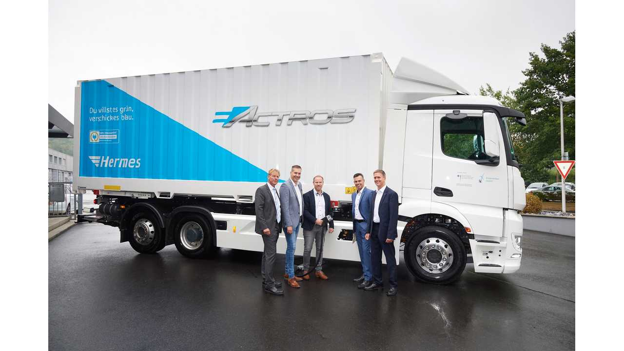 Mercedes-Benz Delivers First 10 eActros Electric Trucks