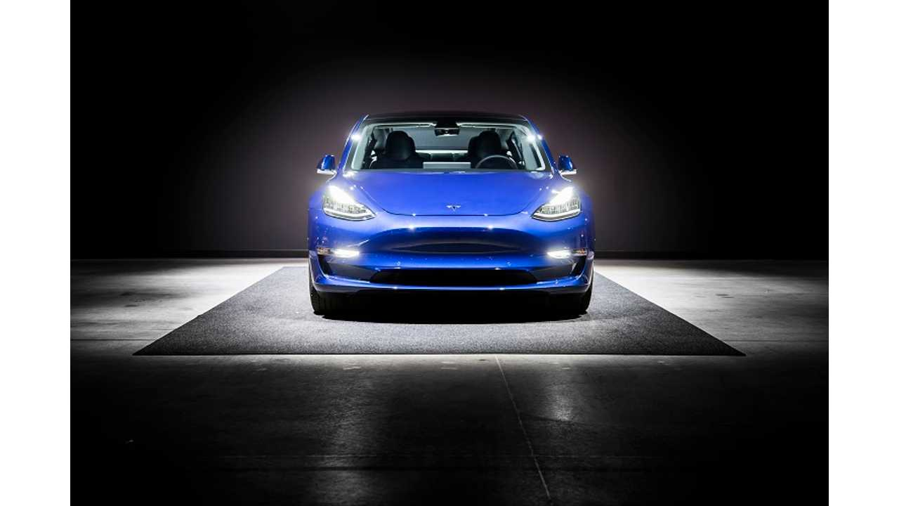 InsideEVs Contributor Shares His Tesla Model 3 Delivery Experience