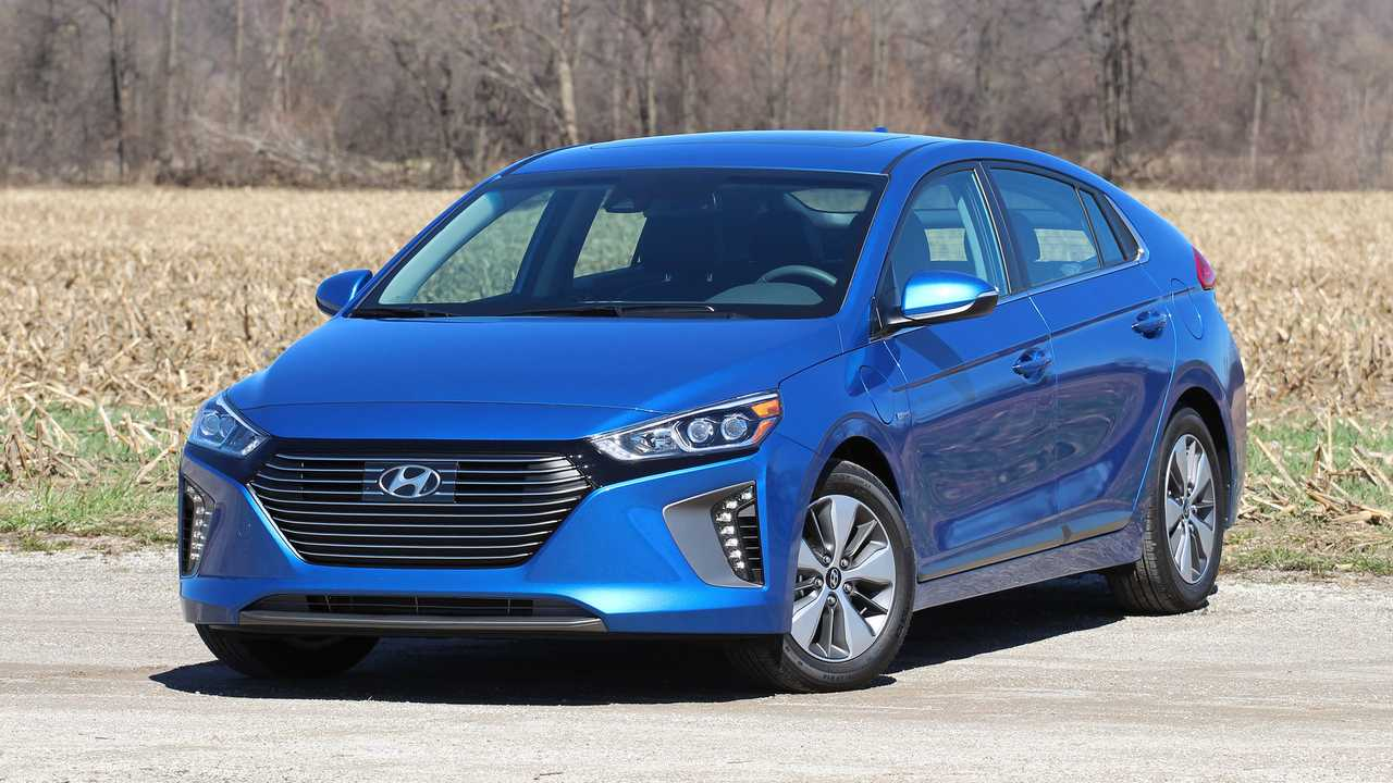 2018 Hyundai IONIQ Plug-In Hybrid Test Drive Review