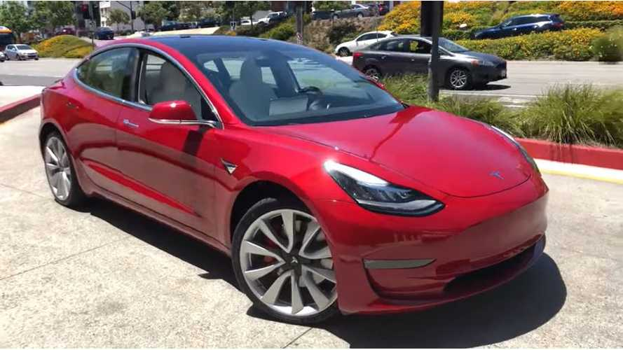 4K Walkaround Video Of Tesla Model 3 Performance