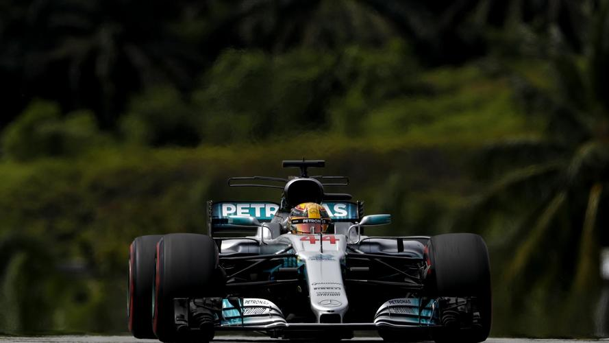 F1 Malaysian GP: Hamilton Denies Raikkonen Pole, Disaster For Vettel