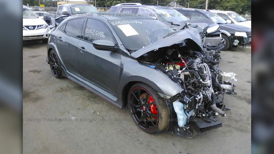 Mindig szörnyű, amikor egy Honda Civic Type R-t ilyen állapotban kell látnunk
