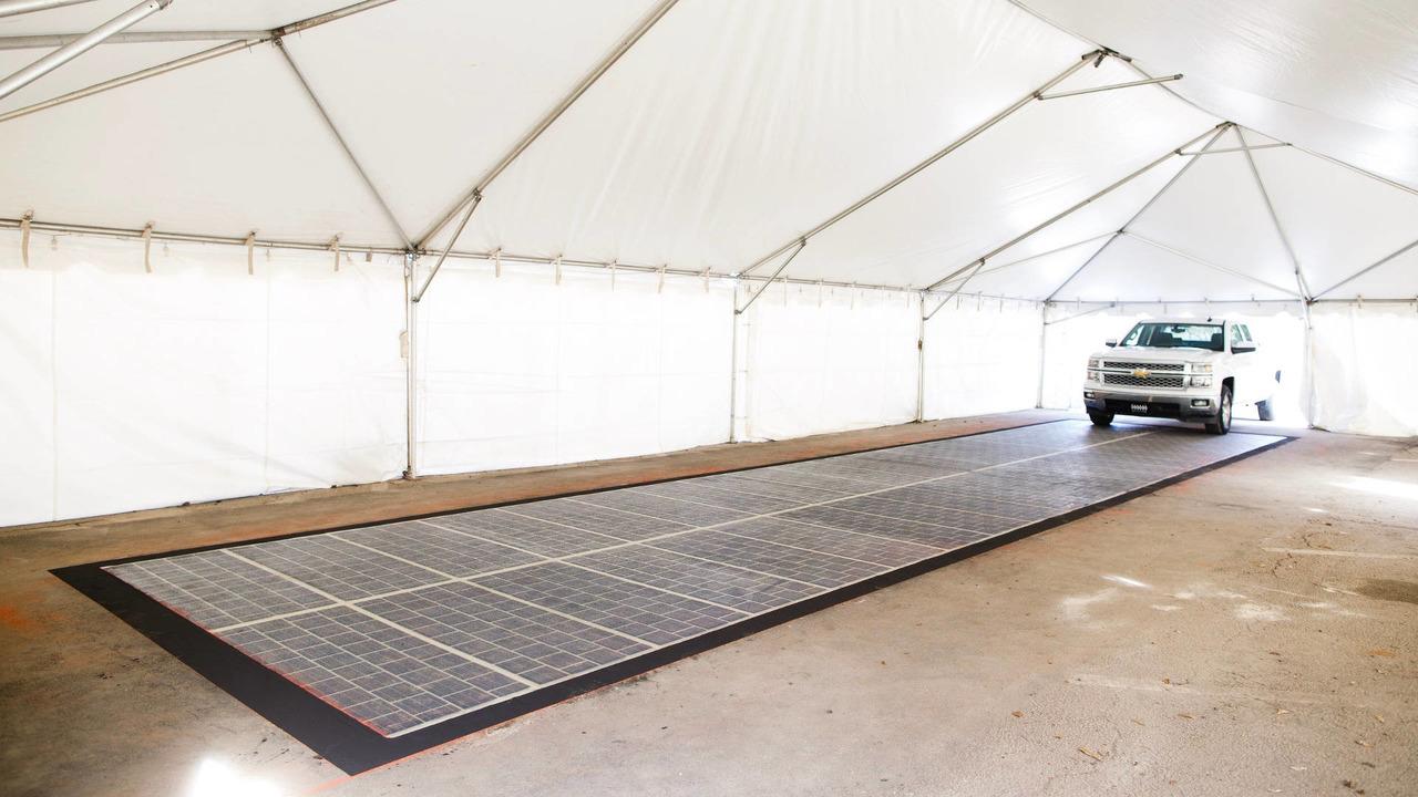 Colas güneş paneli yolu