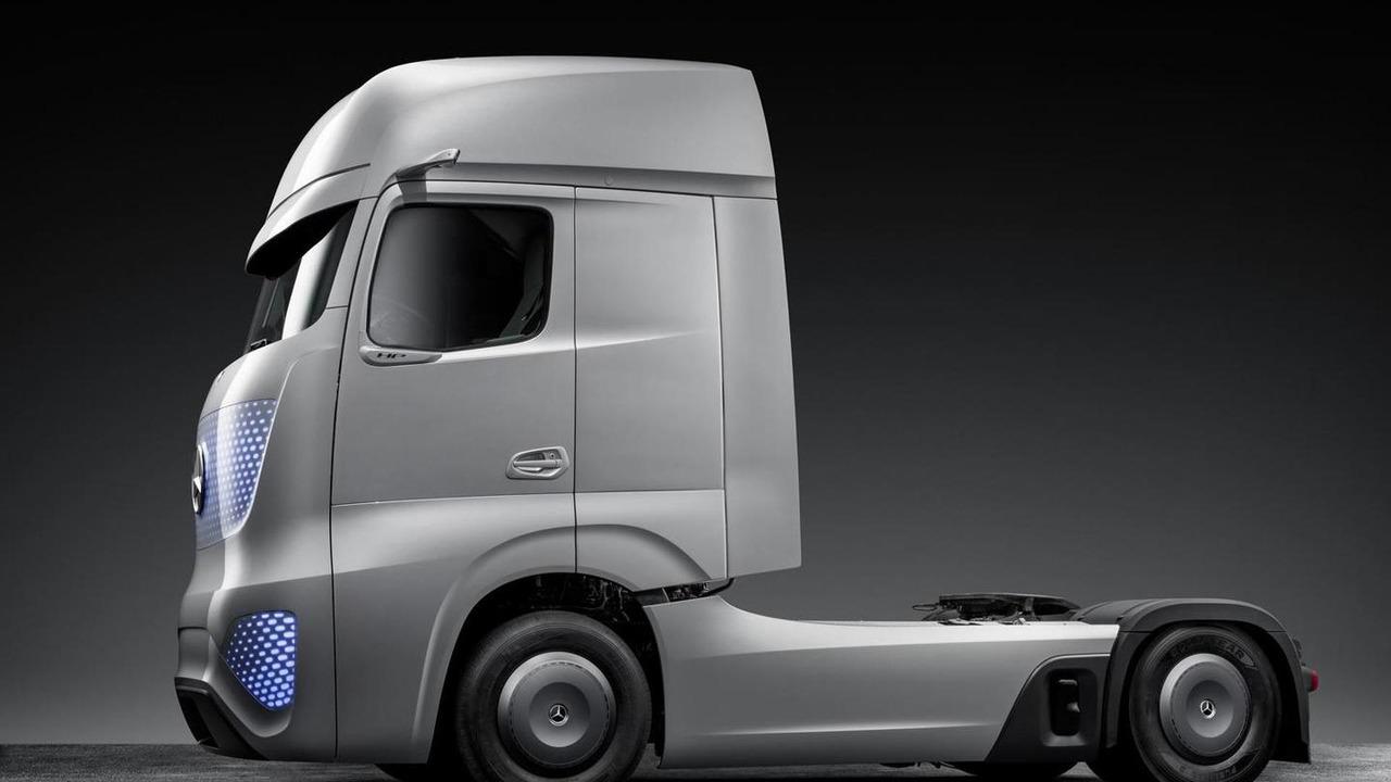 mercedes-benz future truck 2025 | motor1 photos