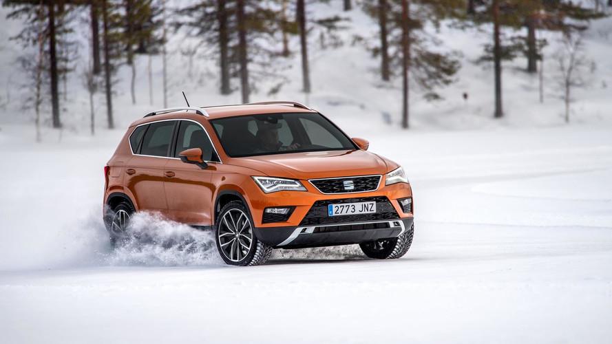 Juha Kankkunen se divierte con un SEAT Ateca sobre la nieve