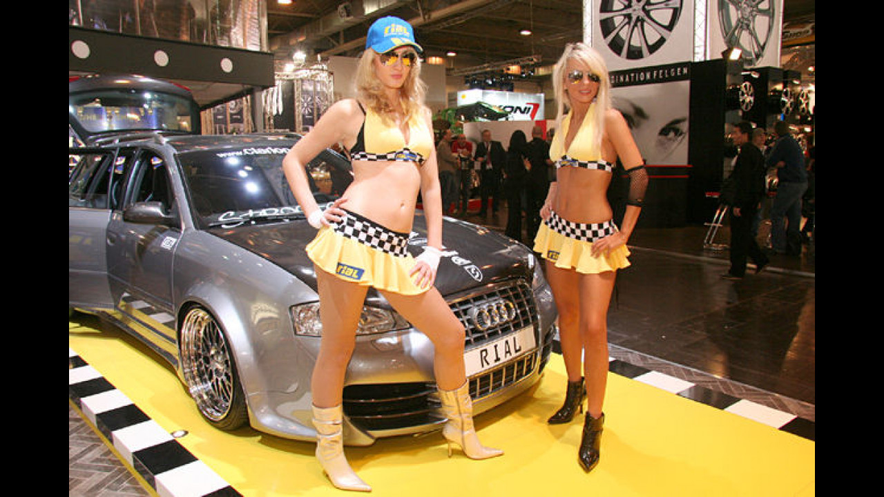 Taxi! Wir wollen zur Motor Show!