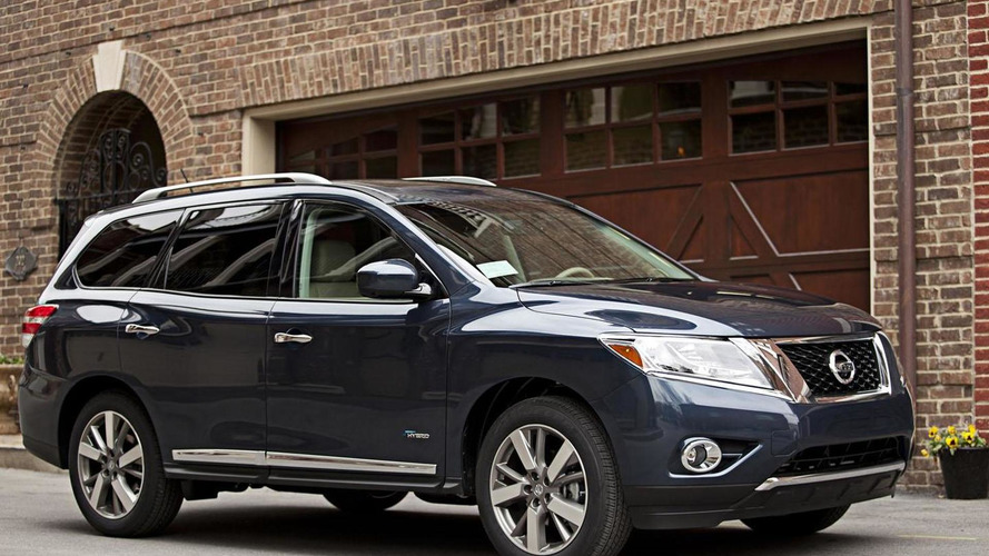 2014 Nissan Pathfinder Hybrid bows in the Big Apple
