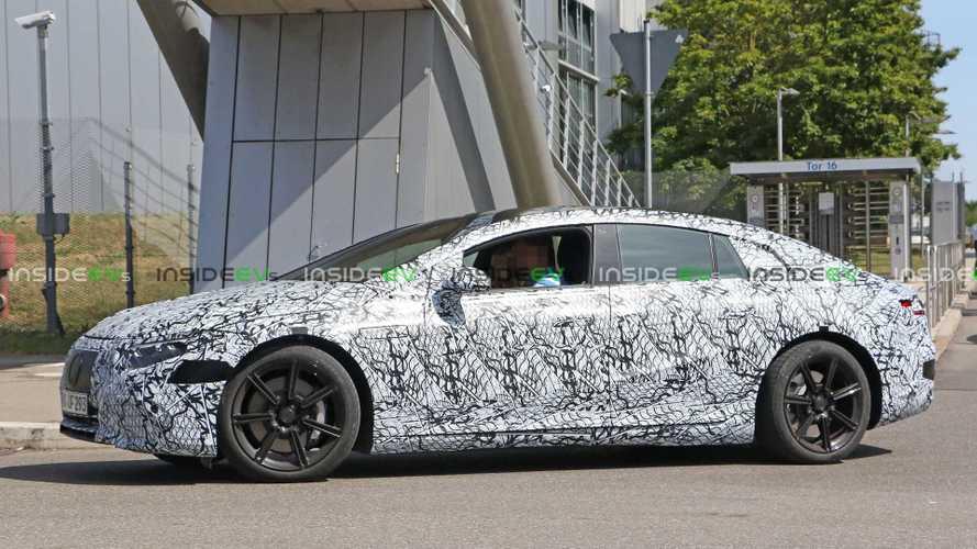 Mercedes segue Tesla: batterie CATL per la EQS con 700 km di autonomia