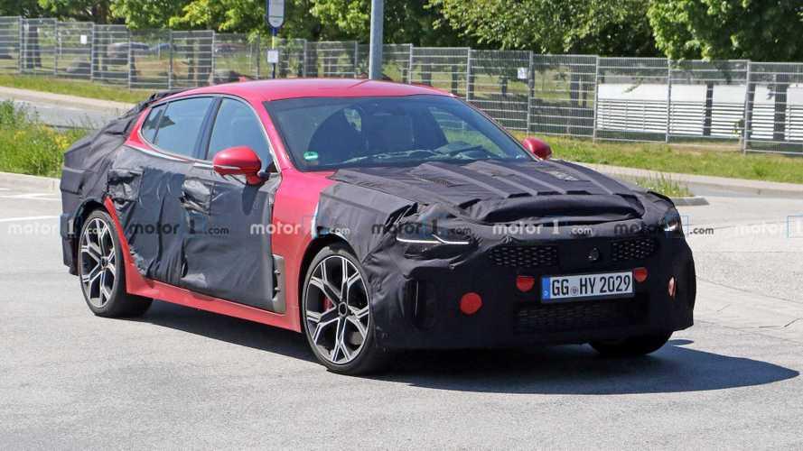 2020 Kia Stinger GT, Nürburgring'in tozunu atarken görüntülendi
