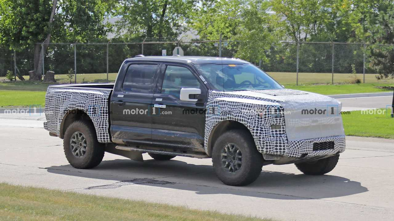 2021 Ford F-150 Raptor Side