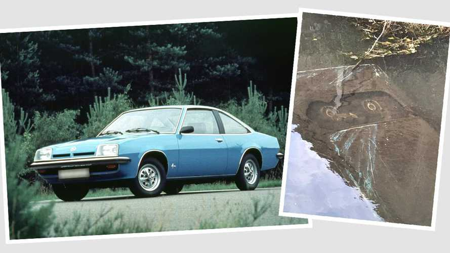 Opel Manta ends up sunk at the bottom of an English river