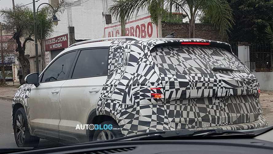 Flagra: Volkswagen testa novo SUV anti-Compass na Argentina