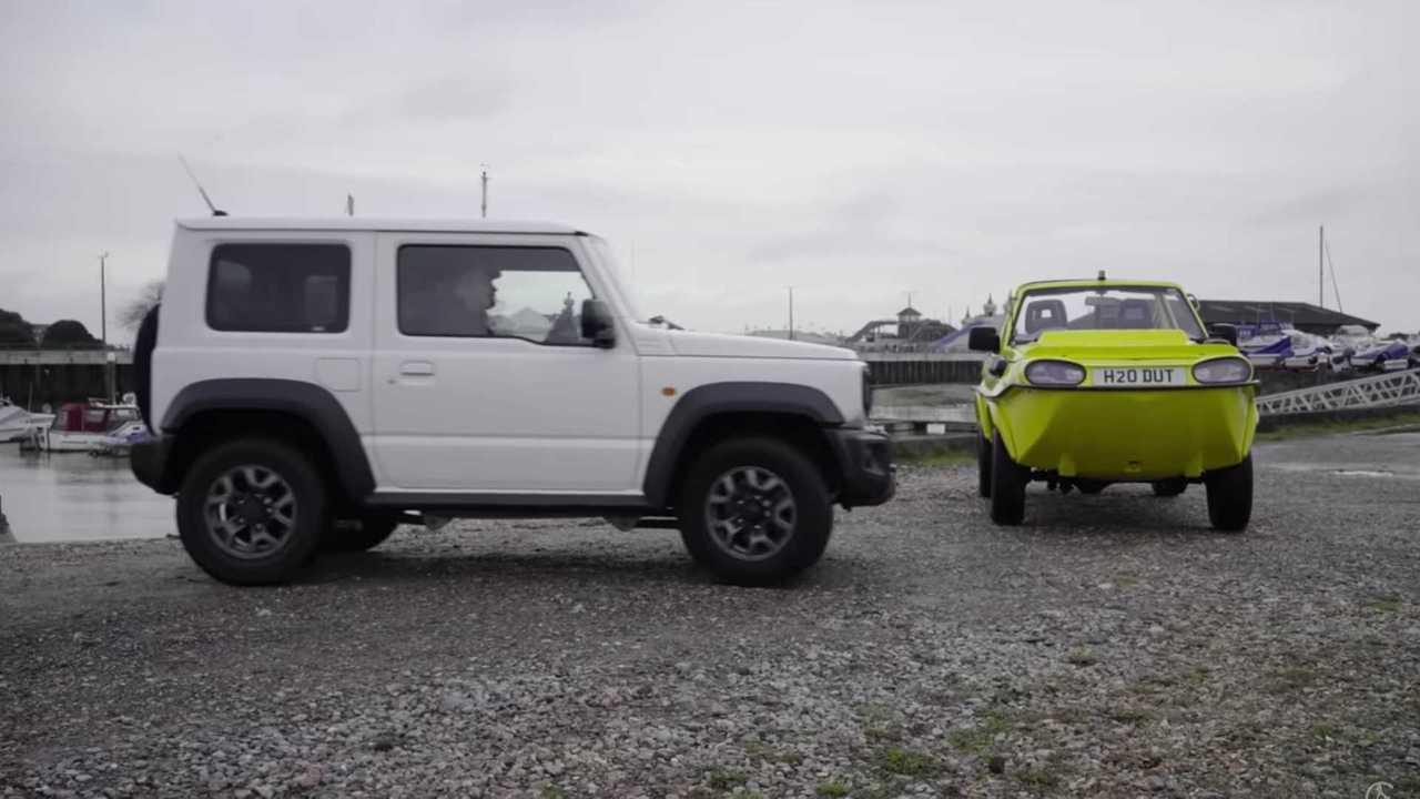 Kétéltű Suzuki Jimny