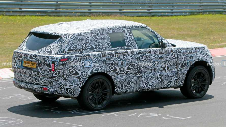 Next-gen Range Rover spied stretching legs at Nurburgring