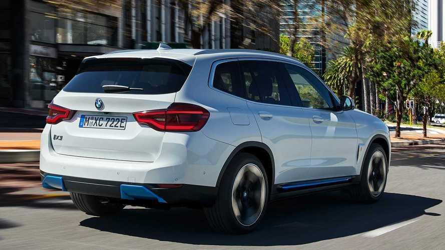BMW iX3, svelato il SUV elettrico: batteria 80 kWh, prezzi da 73.000 €