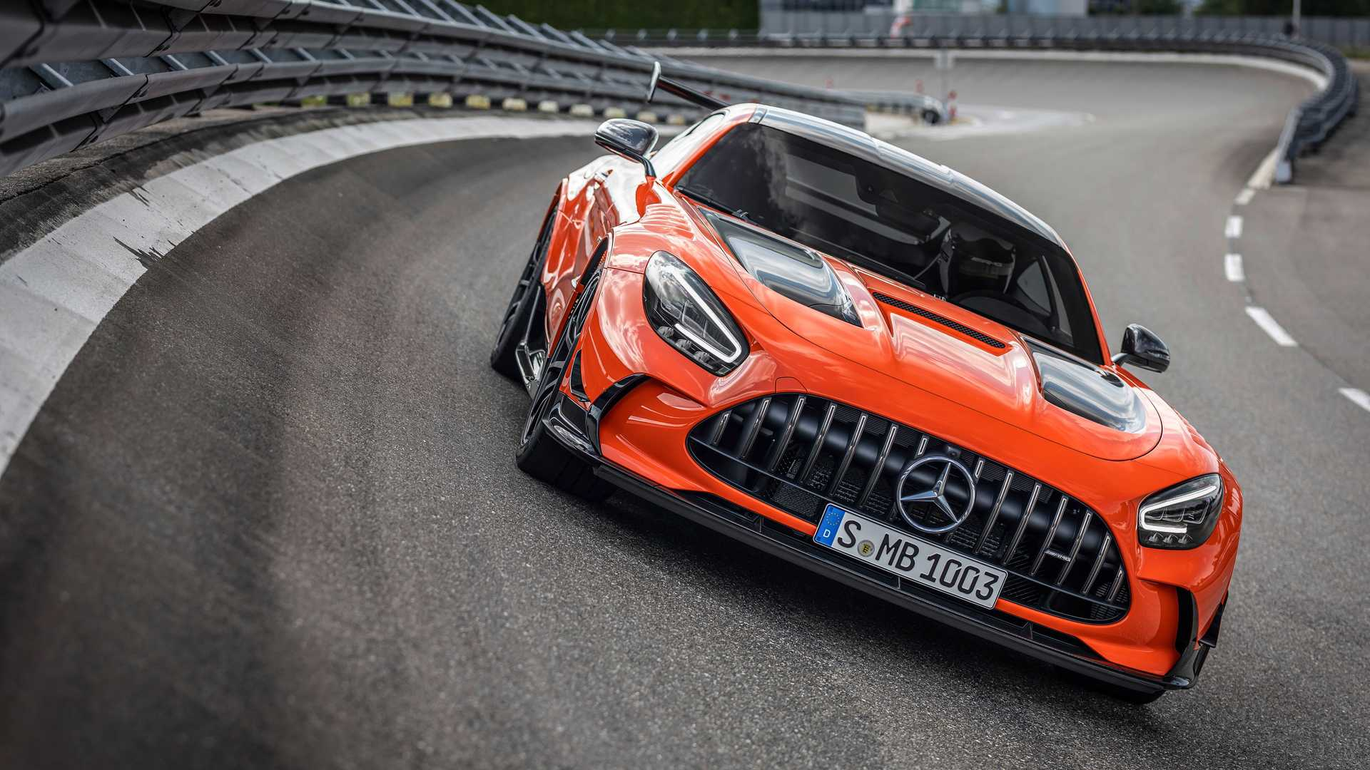 2014 - [Mercedes-AMG] GT [C190] - Page 33 2021-mercedes-amg-gt-black-series-on-track