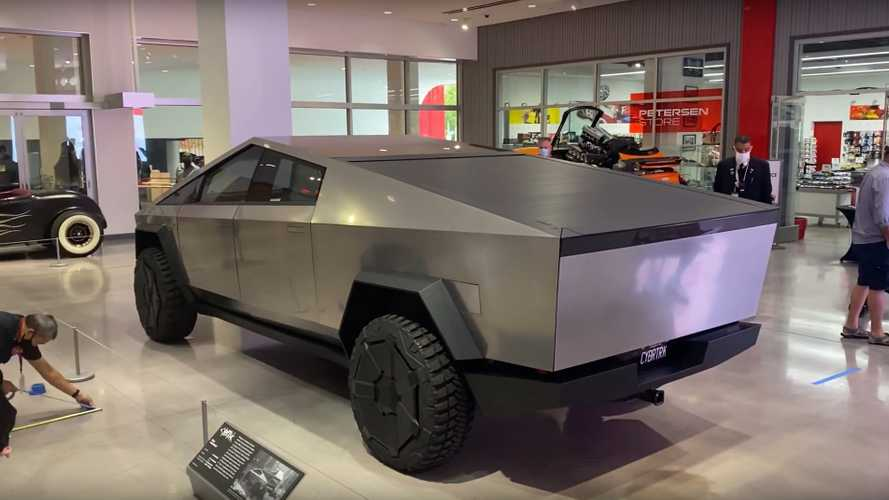 Images And Videos Of Tesla Cybertruck At Petersen Automotive Museum