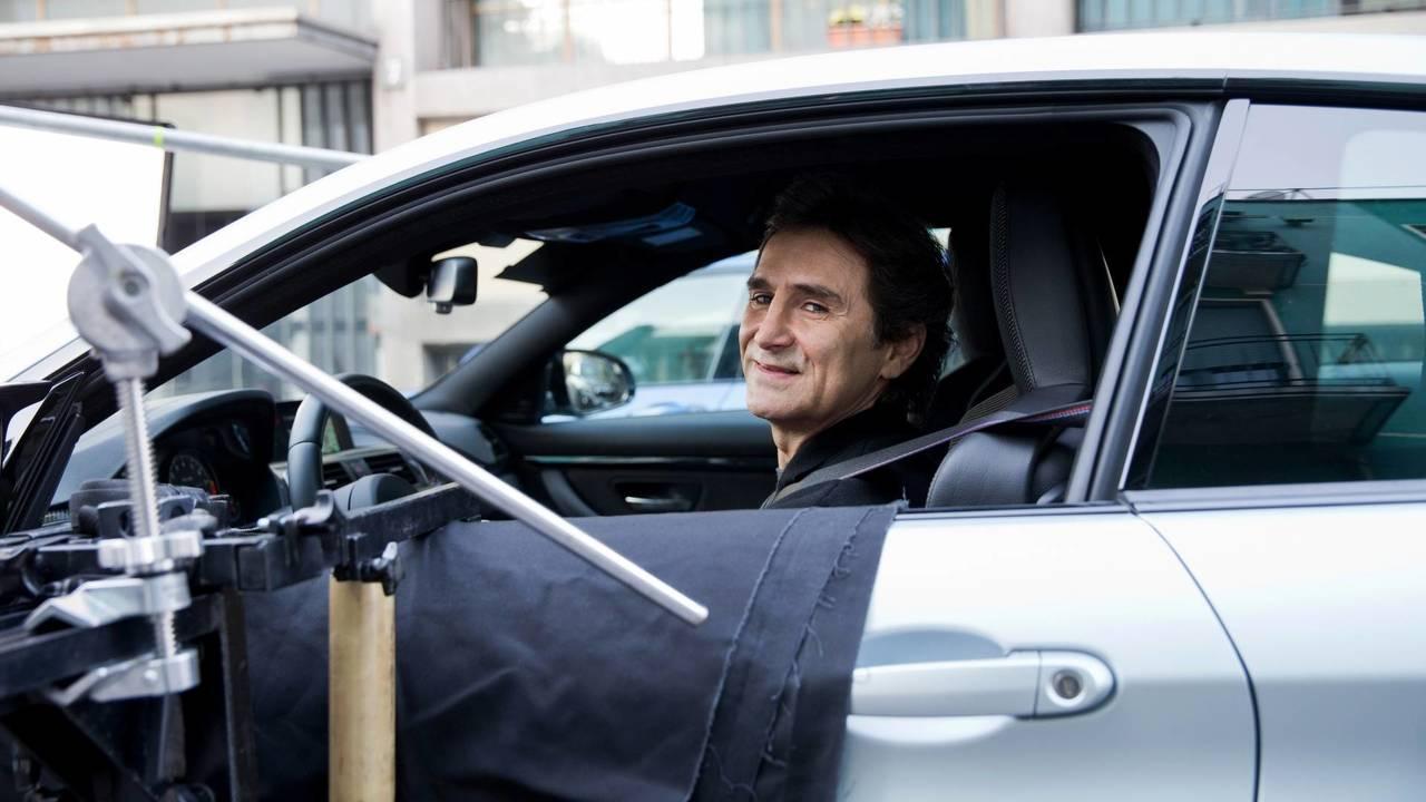 """La soluzione di Alex Zanardi: """"Girate la cover del cellulare quando guidate"""