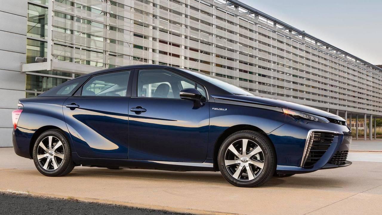 2016 World Green Car: Toyota Mirai