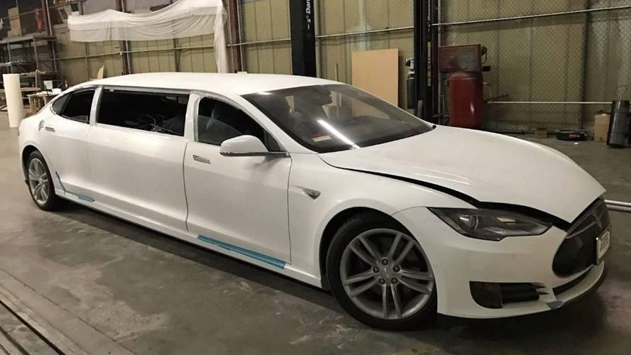 Une Tesla Model S Limousine mise en vente aux enchères !