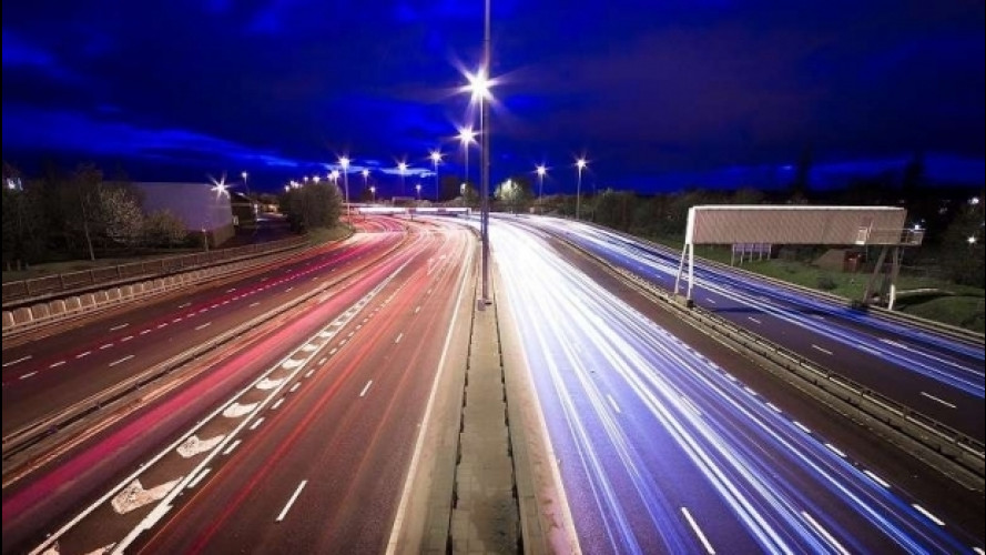 [Copertina] - Ricarica veloce in autostrada, sì da Enel e AISCAT