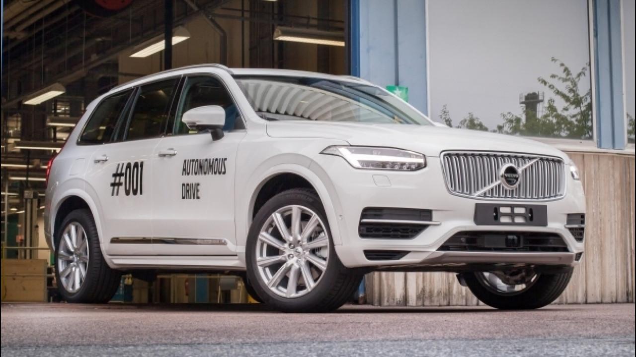 [Copertina] - Volvo, la XC90 che guida da sola è realtà