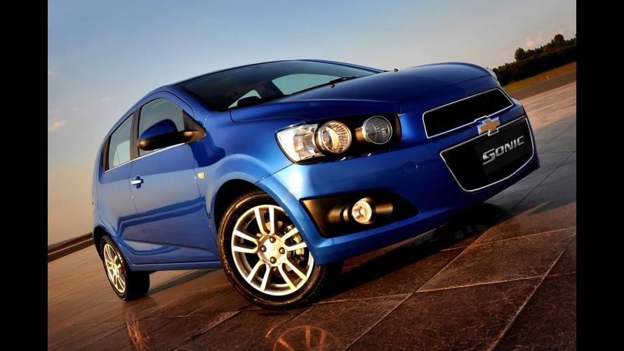 Chevrolet Sonic tem recall no Brasil por risco de vazamento de combustível
