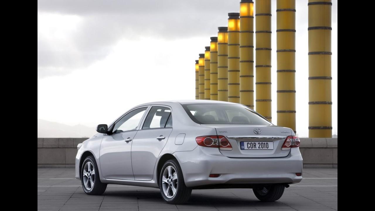 Europa: Toyota Corolla ganha alterações estéticas no modelo 2010 (2011)