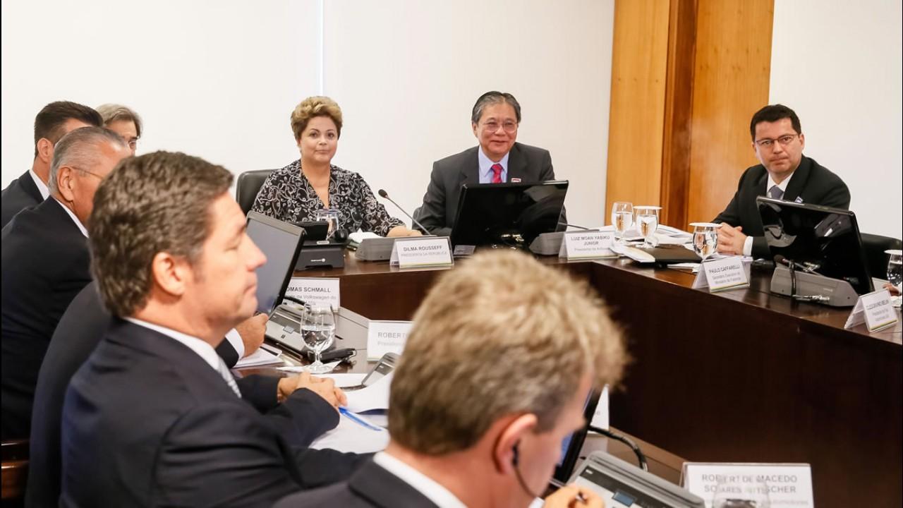 De olho em eleição, Dilma pode reduzir IPI em junho