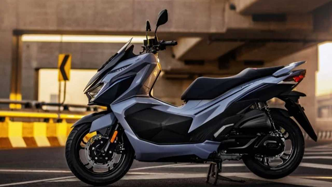 SYM GPX Drone 150 Maxi Scooter