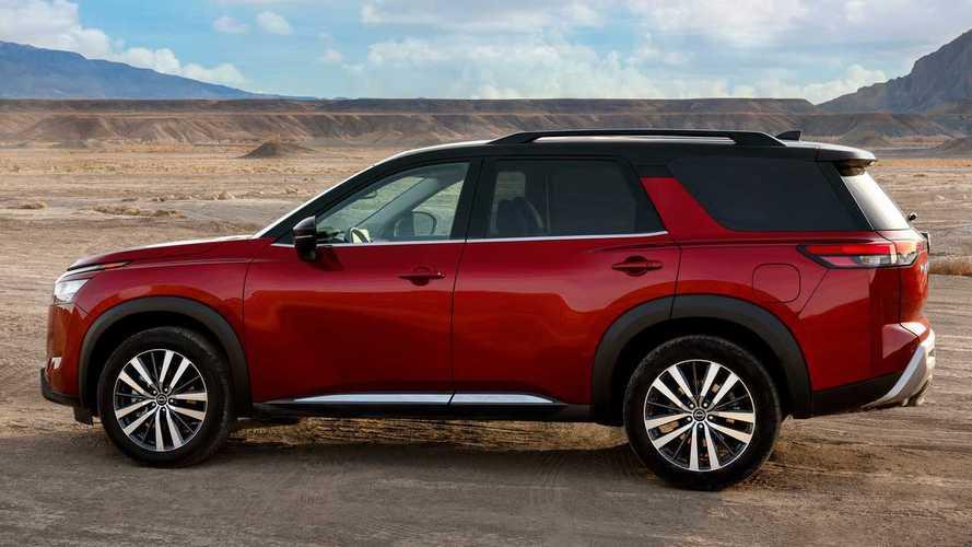 Nissan, büyük SUV modellerinden Pathfinder'ı da yeniledi!