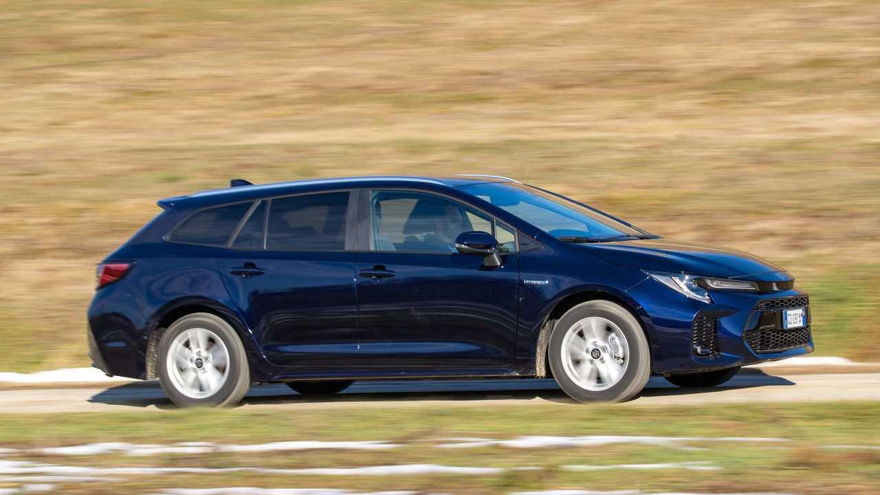 Suzuki Swace (2021) - Test Drive