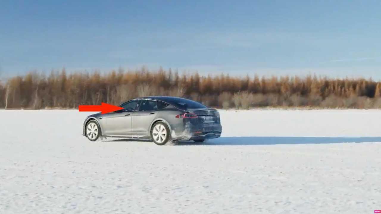 Tesla Model S Plaid teased with round steering wheel