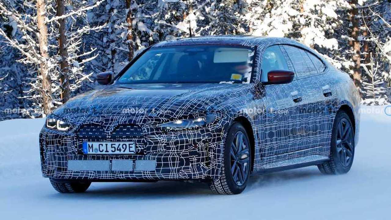 BMW i4 new spy photo (front three-quarters)