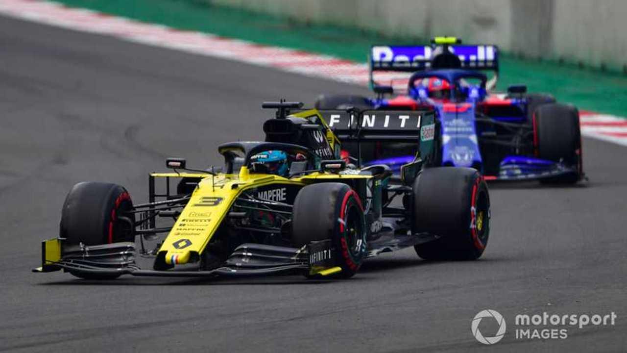Daniel Ricciardo leads Pierre Gasly at Mexican GP 2019