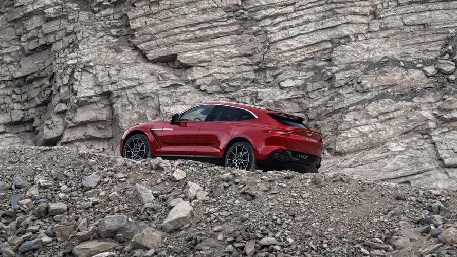 Названо число россиян, которые купят кроссовер Aston Martin