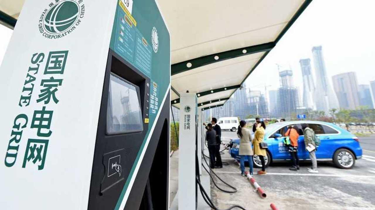 Ricarica, in Cina storica alleanza tra Case automobilistiche e il gestore dell'energia