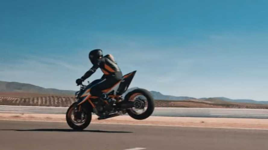 KTM 1290 Super Duke R 2020, le prime immagini [VIDEO]