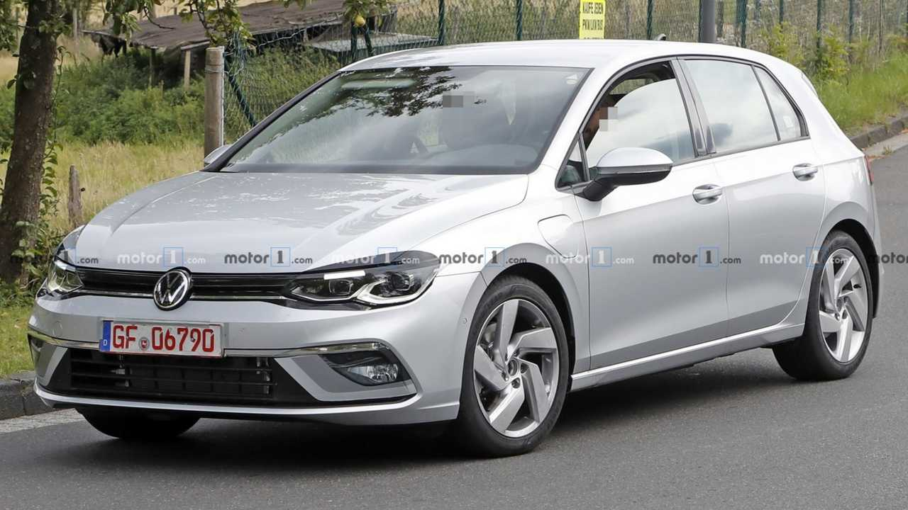 2021 Foto spia VW Golf GTE