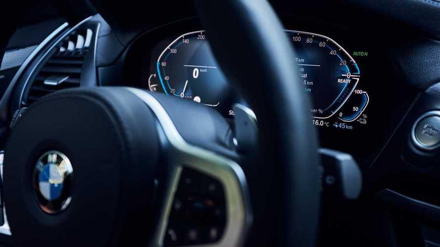 BMW, al via richiamo per una serie di modelli plug-in: grana batterie