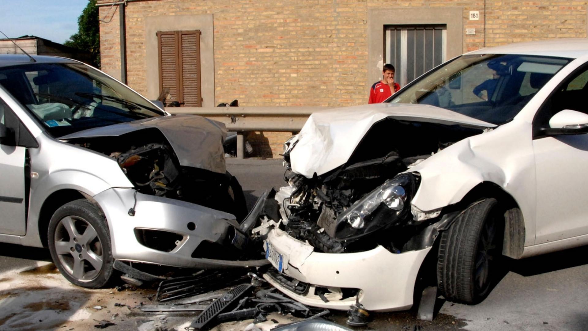 la testimonianza del coniuge nell'incidente stradale ,è valida ?