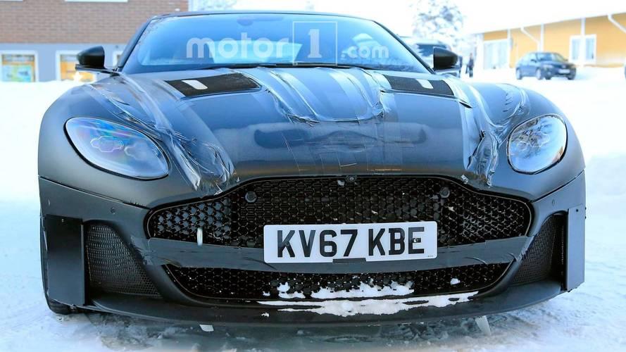 2019 Aston Martin Vanquish Casus Fotoğraflar
