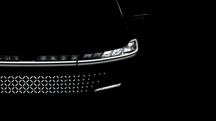 Faraday Future piyasaya 200,000 $'lık EV ile girecek
