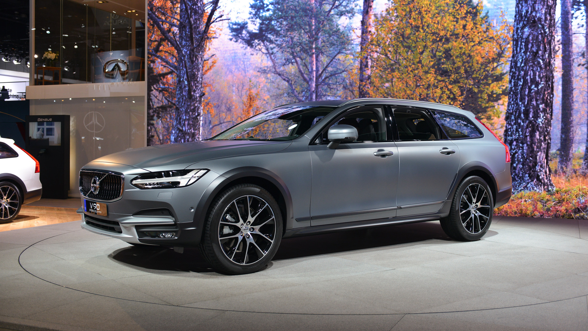 volvo v90 cross country exudes beautiful versatility in l aVolvo V90 Cross Country Paris #7