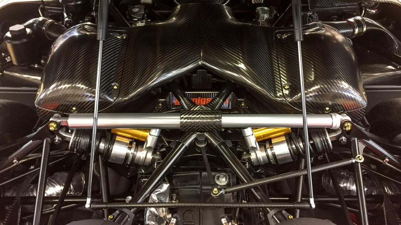 koenigsegg engine